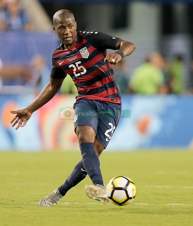 July 19, 2017 - Philadelphia, PA, USA - Philadelphia, PA - Wednesday July 19, 2017: Darlington Nagbe during a 2017 Gold Cup match between the men's national teams of the United States (USA) and El Salvador (SLV) at Lincoln Financial Field. (Credit Image: © John Dorton/ISIPhotos via ZUMA Wire)