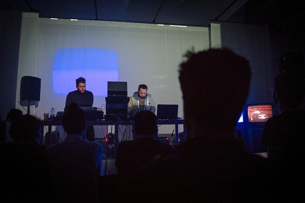 JESSE OSBORNE-LANTHIER (NOIR) &amp; GRISCHA LICHTENBERGER (DE) <br /> 1013_10_TV_C.S.L.M. / OUVERTURE MAC: TOTALLY TUBULAR / MUTEK 2014