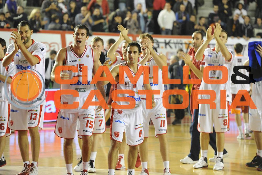 DESCRIZIONE : Roma Lega A 2011-12 Virtus Roma Cimberio Varese<br /> GIOCATORE : team varese<br /> CATEGORIA : esultanza<br /> SQUADRA : Cimberio Varese<br /> EVENTO : Campionato Lega A 2011-2012<br /> GARA : Virtus Roma Cimberio Varese<br /> DATA : 30/10/2011<br /> SPORT : Pallacanestro<br /> AUTORE : Agenzia Ciamillo-Castoria/GiulioCiamillo<br /> Galleria : Lega Basket A 2011-2012<br /> Fotonotizia : Roma Lega A 2011-12 Virtus Roma Cimberio Varese<br /> Predefinita :