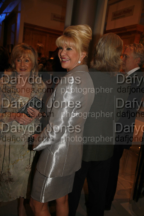 Liz Brewer and Ivana Trump, Gala champagne reception and dinner in aid of CLIC Sargent.  Grosvenor House Art and Antiques Fair.  Grosvenor House. Park Lane. London. 14 June 2006. ONE TIME USE ONLY - DO NOT ARCHIVE  © Copyright Photograph by Dafydd Jones 66 Stockwell Park Rd. London SW9 0DA Tel 020 7733 0108 www.dafjones.com
