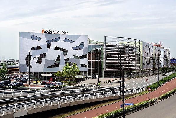 Nederland, Nijmegen, 14-9-2012Het moderne gebouw van het ROC bij het station.Foto: Flip Franssen/Hollandse Hoogte