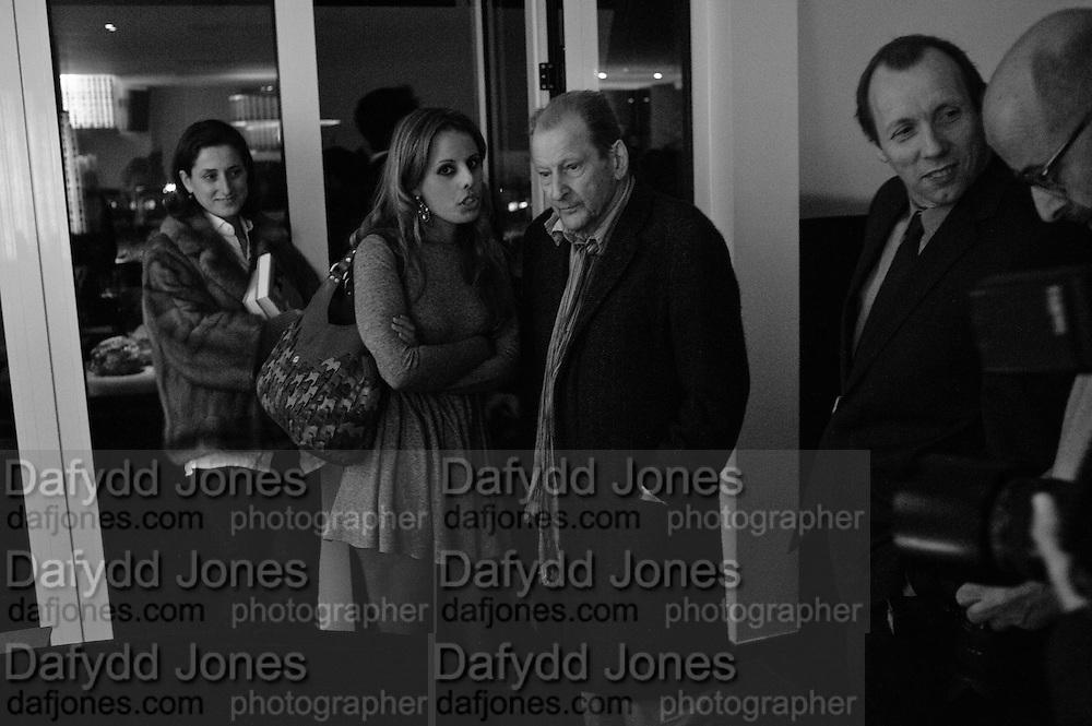 VICTORIA-ANNE BULL; LUCIAN FREUD; DAVID DAWSON, Launch of Nicky Haslam's book Redeeming Features. Aqua Nueva. 5th floor. 240 Regent St. London W1.  5 November 2009.  *** Local Caption *** -DO NOT ARCHIVE-© Copyright Photograph by Dafydd Jones. 248 Clapham Rd. London SW9 0PZ. Tel 0207 820 0771. www.dafjones.com.<br /> VICTORIA-ANNE BULL; LUCIAN FREUD; DAVID DAWSON, Launch of Nicky Haslam's book Redeeming Features. Aqua Nueva. 5th floor. 240 Regent St. London W1.  5 November 2009.