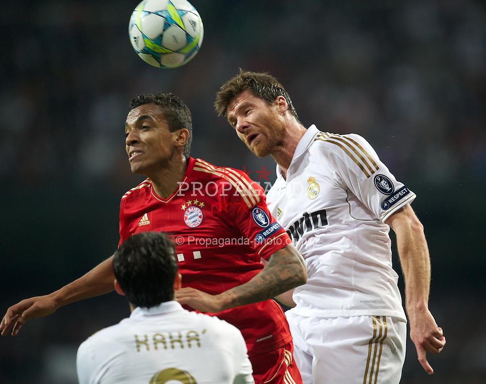 MADRID, SPAIN - Wednesday, April 25, 2012: Real Madrid's Xabi Alonso in action against FC Bayern Munchen during the UEFA Champions League Semi-Final 2nd Leg match at the Estadio Santiago Bernabeu. (Pic by David Rawcliffe/Propaganda)
