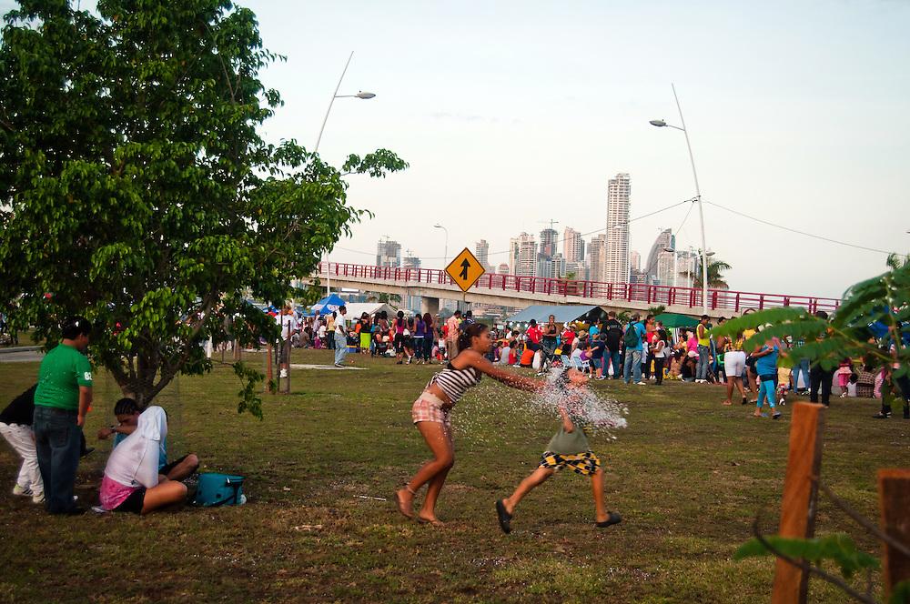 PANAMA CITY / CIUDAD DE PANAMA<br /> Carnaval de la City 2011<br /> Photography by Aaron Sosa.<br /> Panama City - Panama 2011.<br /> (Copyright &copy; Aaron Sosa)