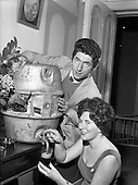 1960 - Actors Ann O'Dwyer and Charles Roberts