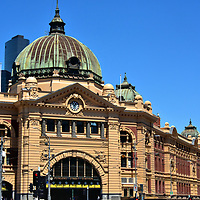 Flinders Street Station in Melbourne, Australia <br />