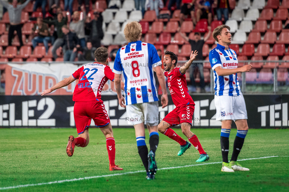 12-05-2018 NED: FC Utrecht - Heerenveen, Utrecht<br /> FC Utrecht win second match play off with 2-1 against Heerenveen and goes to the final play off / (L-R) Sander van der Streek #22 of FC Utrecht, Morten Thorsby #8 of SC Heerenveen, Mark van der Maarel #2 of FC Utrecht score the 2-0, Daniel Hoegh #3 of SC Heerenveen