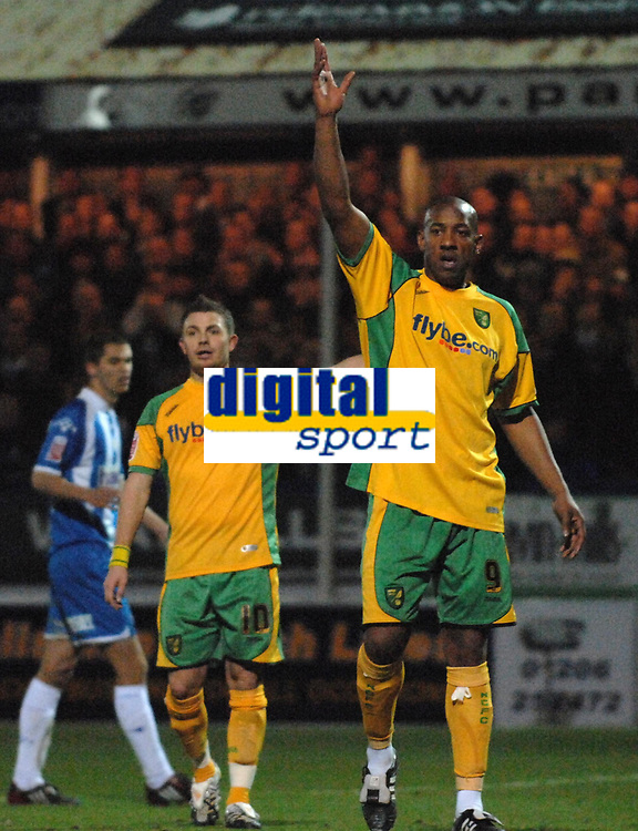 Photo: Ashley Pickering/Sportsbeat Images.<br /> Colchester United v Norwich City. Coca Cola Championship. 15/12/2007.<br /> Dion Dublin (R) and Jamie Cureton of Norwich