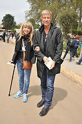 LESLIE ASH and LEE CHAPMAN at the 2012 RHS Chelsea Flower Show held at Royal Hospital Chelsea, London on 21st May 2012.
