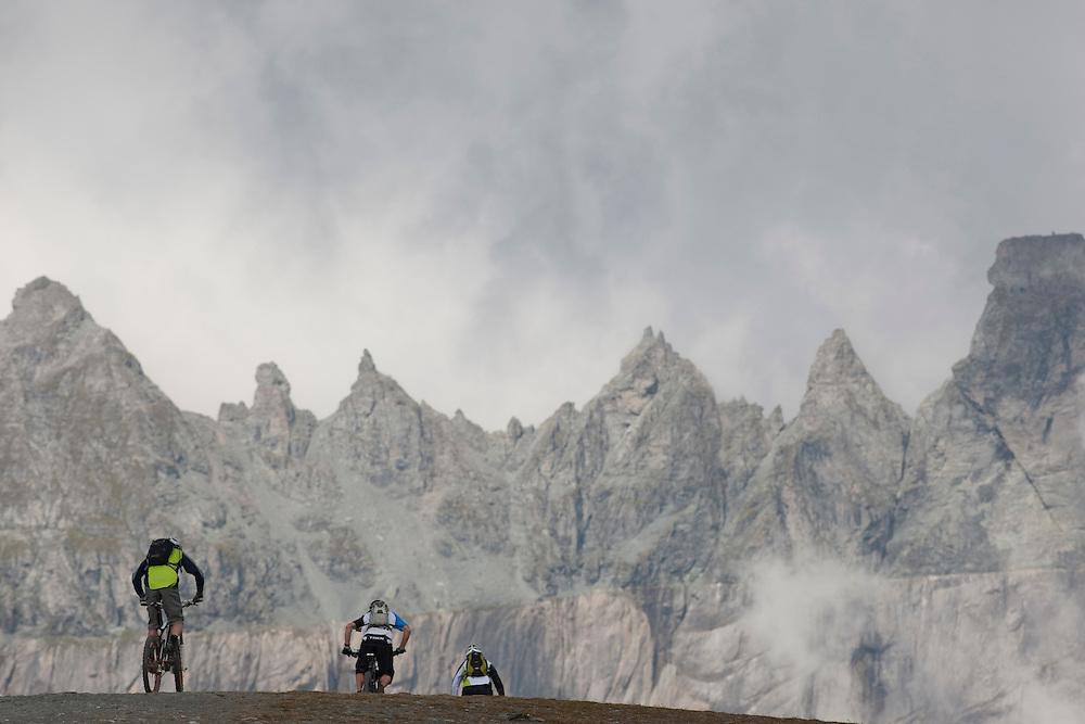 Rider: Katja Rupt, René Wildhaber, Ross Schnell.Location: Flims(Switzerland)