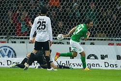 10.12.2011, Weser Stadion, Bremen, GER, 1.FBL, Werder Bremen vs VFL Wolfsburg, im BildClaudio Pizarro (Bremen #24) zum 2 zu 0 gegen Diego Benaglio (Wolfsburg #1). // during the Match GER, 1.FBL, Werder Bremen vs VFL Wolfsburg, Weser Stadion, Bremen, Germany, on 2011/12/10.EXPA Pictures © 2011, PhotoCredit: EXPA/ nph/ Kokenge..***** ATTENTION - OUT OF GER, CRO *****