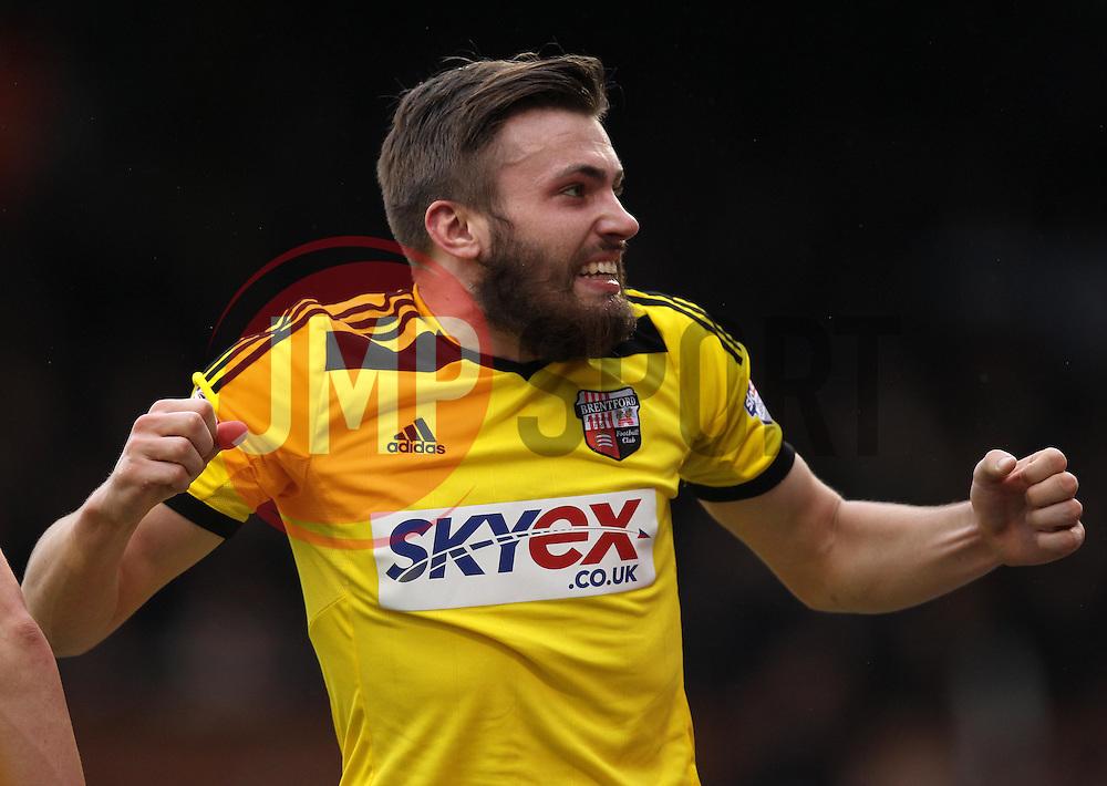 Brentford's Stuart Dallas celebrates his goal - Photo mandatory by-line: Robbie Stephenson/JMP - Mobile: 07966 386802 - 03/04/2015 - SPORT - Football - Fulham - Craven Cottage - Fulham v Brentford - Sky Bet Championship