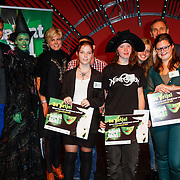NLD/Scheveningen/20121030 - Uitreiking Talent voor Taal 2012 prijs, Pr. Laurentien met de prijswinnaars, Jim Bakkum, Zarayda Groenhart en Arthur Japin