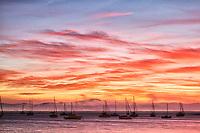 Por do sol na Praia de Santo Antonio de Lisboa. Florianópolis, Santa Catarina, Brasil. / <br /> Santo Antonio de Lisboa Beach at sunset. Florianopolis, Santa Catarina, Brazil.