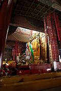 Yonghe Gong (Lama Temple). Bronze statue of Tsongkhapa.