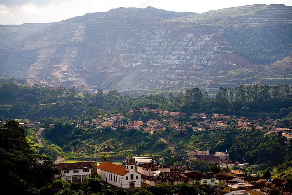Itabira_MG, Brasil...Mineracao em Itabira, Minas Gerais...The mining in Itabira, Minas Gerais...Foto: LEO DRUMOND / NITRO
