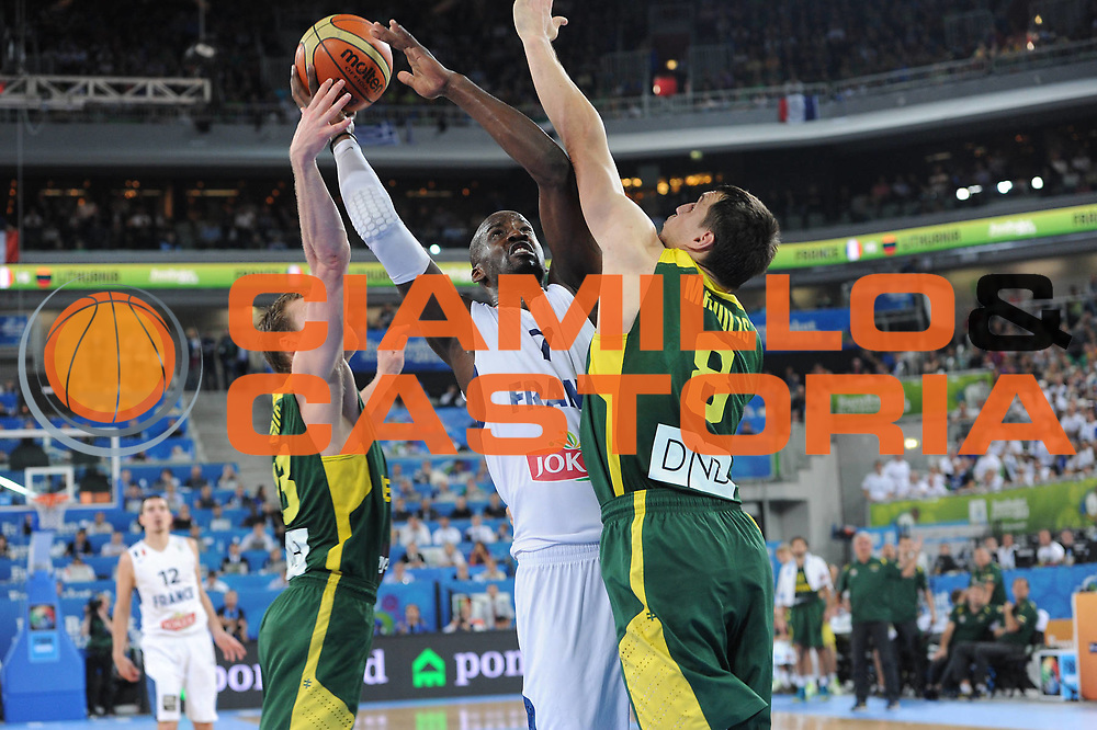 DESCRIZIONE : Lubiana Ljubliana Slovenia Eurobasket Men 2013 Finale Final Francia France Lituania Lithuania<br /> GIOCATORE : Johan Petro <br /> CATEGORIA : tiro shot<br /> SQUADRA : Francia France<br /> EVENTO : Eurobasket Men 2013<br /> GARA : Francia France Lituania Lithuania<br /> DATA : 22/09/2013 <br /> SPORT : Pallacanestro <br /> AUTORE : Agenzia Ciamillo-Castoria/C.De Massis<br /> Galleria : Eurobasket Men 2013<br /> Fotonotizia : Lubiana Ljubliana Slovenia Eurobasket Men 2013 Finale Final Francia France Lituania Lithuania<br /> Predefinita :