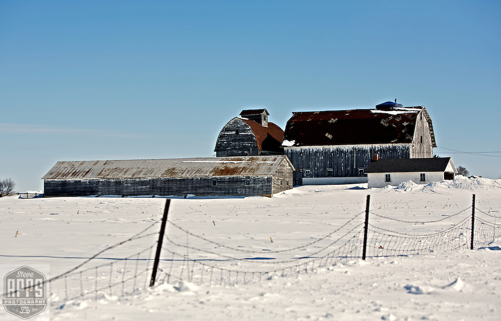 A collection of Barns that still can be seen while traveling the countryside in  the beautiful State of Wisconsin.<br /> Rock County- Barn on W. Bullard Road, North of Evansville. Barns from around the State of Wisconsin.