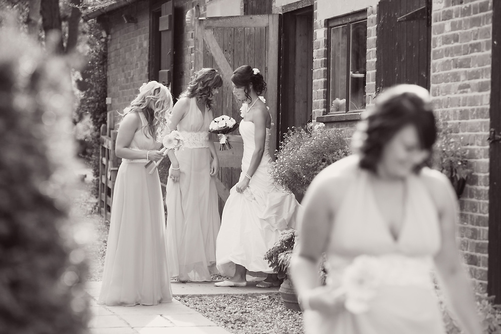Genesis Photo © Beautiful Wedding Photography creatively captured by Genesis Photo based in Maidenhead, Berkshire.
