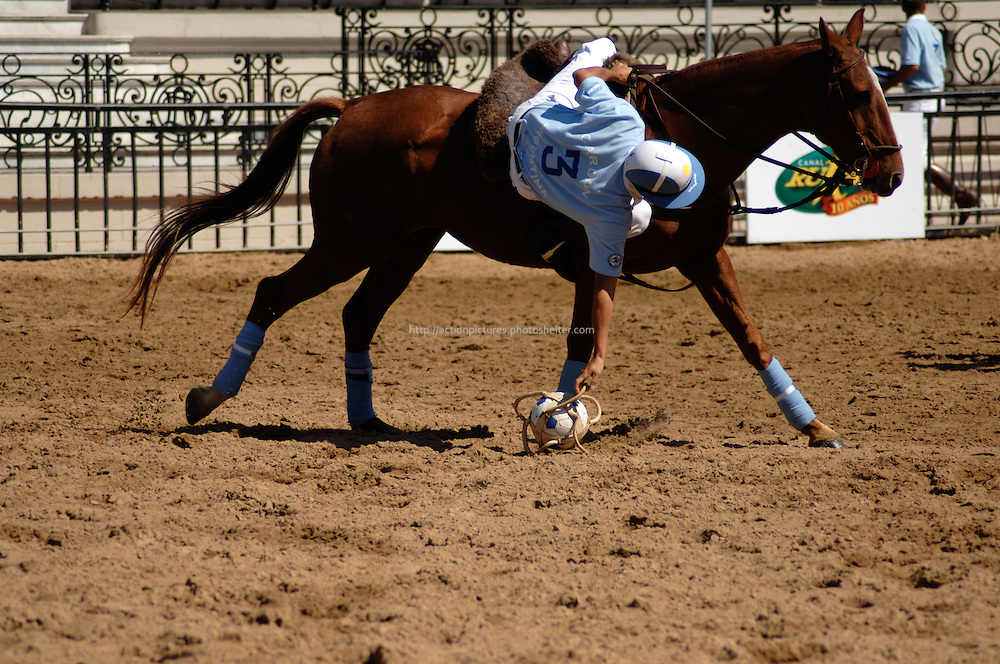 horseball player practising
