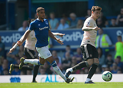 Victor Lindelof of Manchester United (R) in action - Mandatory by-line: Jack Phillips/JMP - 21/04/2019 - FOOTBALL - Goodison Park - Liverpool, England - Everton v Manchester United - English Premier League