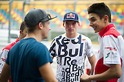 November 13-16, 2014 : 61st Macau Grand Prix, Max Verstappen talks with fellow F3 drivers