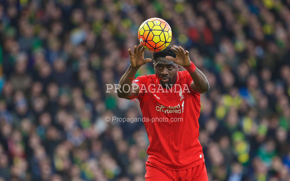 NORWICH, ENGLAND - Friday, January 22, 2016: Liverpool's Kolo Toure in action against Norwich City during the Premiership match at Carrow Road. (Pic by David Rawcliffe/Propaganda)