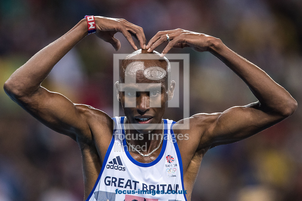Mo Farah of Great Britain takes Gold to retain his title in the Men's 10,000m on day eight of the XXXI 2016 Olympic Summer Games in Rio de Janeiro, Brazil.<br /> Picture by EXPA Pictures/Focus Images Ltd 07814482222<br /> 13/08/2016<br /> *** UK &amp; IRELAND ONLY ***<br /> <br /> EXPA-GRO-160814-5309.jpg