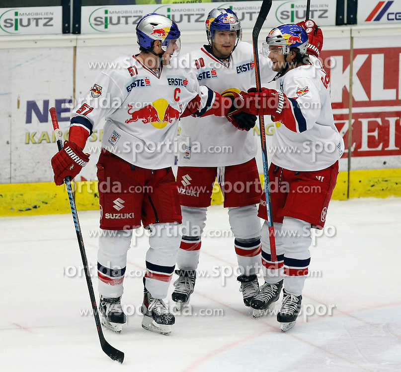 21.11. 2014, Stadthalle, Villach, AUT, EBEL, EC VSV vs EC Red Bull Salzburg, 19. Runde, im Bild der Jubel von RBS // during the Erste Bank Icehockey League 19th round match between EC VSV vs EC Red Bull Salzburg at the City Hall in Villach, Austria on 2014/11/21, EXPA Pictures © 2014, PhotoCredit: EXPA/ Oskar Hoeher