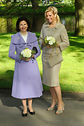 State visit of the Swedish king Carl XVI Gustaf and queen Silvia van Zweden to the Netherlands.<br /> <br /> On the Photo Queen Silvia of Sweden of the dutch princess Maxima visit the Keukenhof *** Local Caption ***