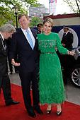 Koning en koningin bij 5 mei-concert aan de Amstel