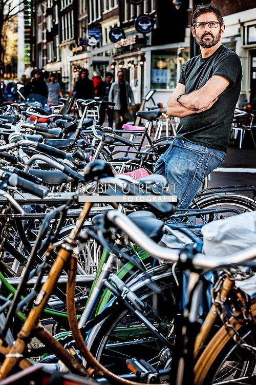 AMSTERDAM - portret van Louis Theroux in amsterdam   COPYRIGHT ROBIN UTRECHT