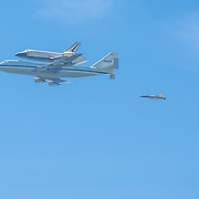 Last flight of the Endeavour Space Shuttle over California´s pacific coast.