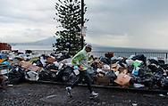 Napoli, Italia - 24 novembre 2010. Footing tra i rifiuti a Posillipo. Ph. Roberto Salomone Ag. Controluce.ITALY - Footing with garbage in Posillipo hill in Naples on November 24, 2010.