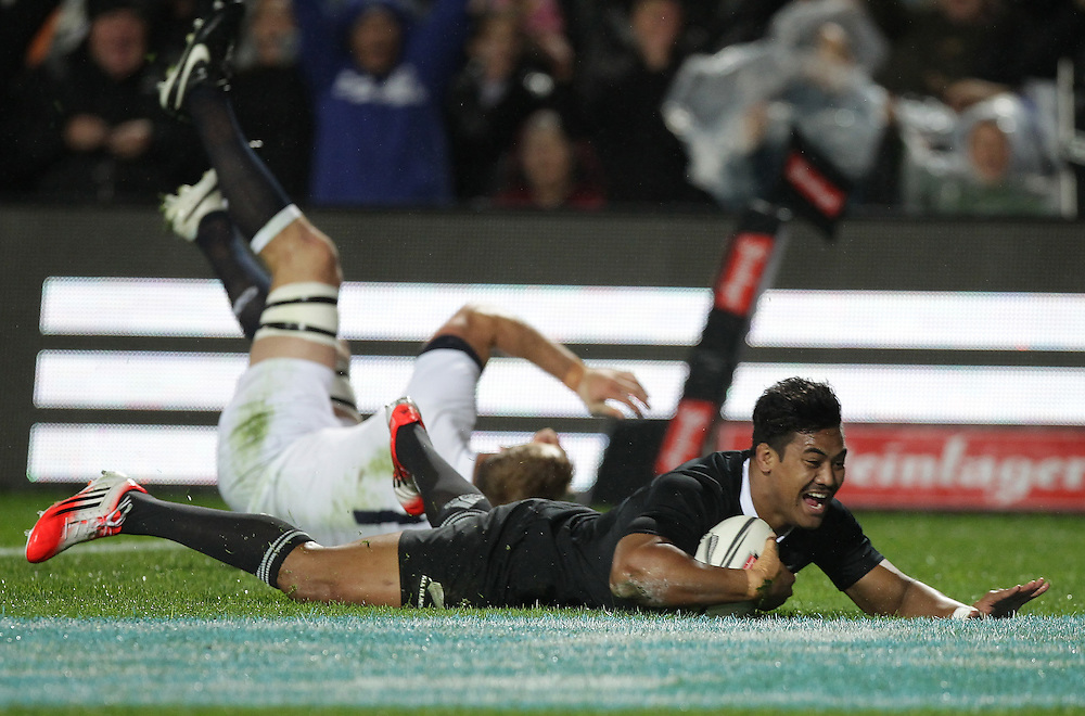 New Zealand's Julian Savea scores a try against England in an International Rugby Test match, Waikato Stadium, Hamilton, New Zealand, Saturday, June 21, 2014.  Credit:SNPA / David Rowland