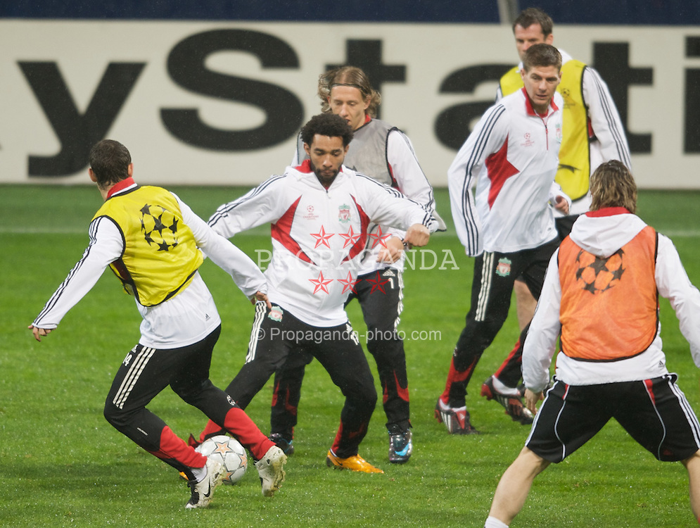 MILAN, ITALY - Monday, March 10, 2008: Liverpool's Jermaine Pennant training at the San Siro Stadium ahead of the UEFA Champions League First knockout round 2nd Leg match against FC Internazionale Milano. (Pic by David Rawcliffe/Propaganda)
