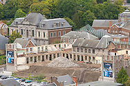 Belgie,  Hui, 20141008.<br /> In de bocht van de Maas ligt het stadje Huy in de Ardennen.  Uitzicht over het aloude monumentale centrum van de stad vanuit het Fort.<br /> Huy is een Belgische stad en gemeente, gelegen aan de samenvloeiing van de rivieren de Maas, de Hoyoux en de Mehaigne. <br /> <br /> Belgium,  Huy, 20141008.<br /> In the bend of the river Meuse is the town of Huy in the Ardennes. View over the old historic center of the city from the Fort.<br /> Huy is a Belgian city and municipality, situated at the confluence of the rivers Meuse, Hoyoux and the Mehaigne.
