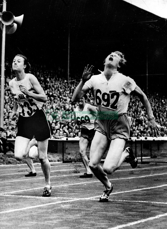 Aug. 4, 1948 - London, England, U.K. - The 1948 Summer Olympics were held in London, they were the first Summer Olympics since the 1936 Berlin Games due to World War II.  PICTURED: The dramatic finish of the 80 meter hurdles, won by F.E. BLANKERS-KOEN (R) of Holland.  (Credit Image: © Keystone Press Agency/Keystone USA via ZUMAPRESS.com)