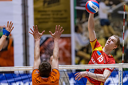 13-04-2019 NED: Achterhoek Orion - Draisma Dynamo, Doetinchem<br /> Orion win the fourth set and play the final round against Lycurgus. Dynamo won 2-3 / Bram Langevoort #15 of Dynamo