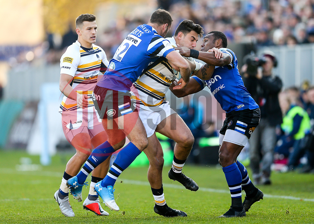 Bryce Heem of Worcester Warriors is tackled by Jamie Roberts of Bath Rugby - Rogan/JMP - 17/11/2018 - RUGBY UNION - The Recreation Ground - Bath, England - Bath Rugby v Worcester Warriors - Gallagher Premiership.
