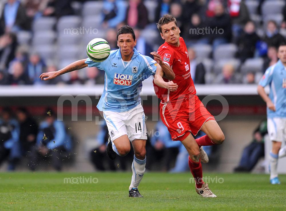 2. Fussball Bundesliga :  Saison   2009/2010  , 14 Spieltag , 29.11.2009 1860 Muenchen - Fortuna Duesseldorf Jose Holebas (li, 1860 Muenchen) gegen Ranisav Jovanovic (re, Duesseldorf)