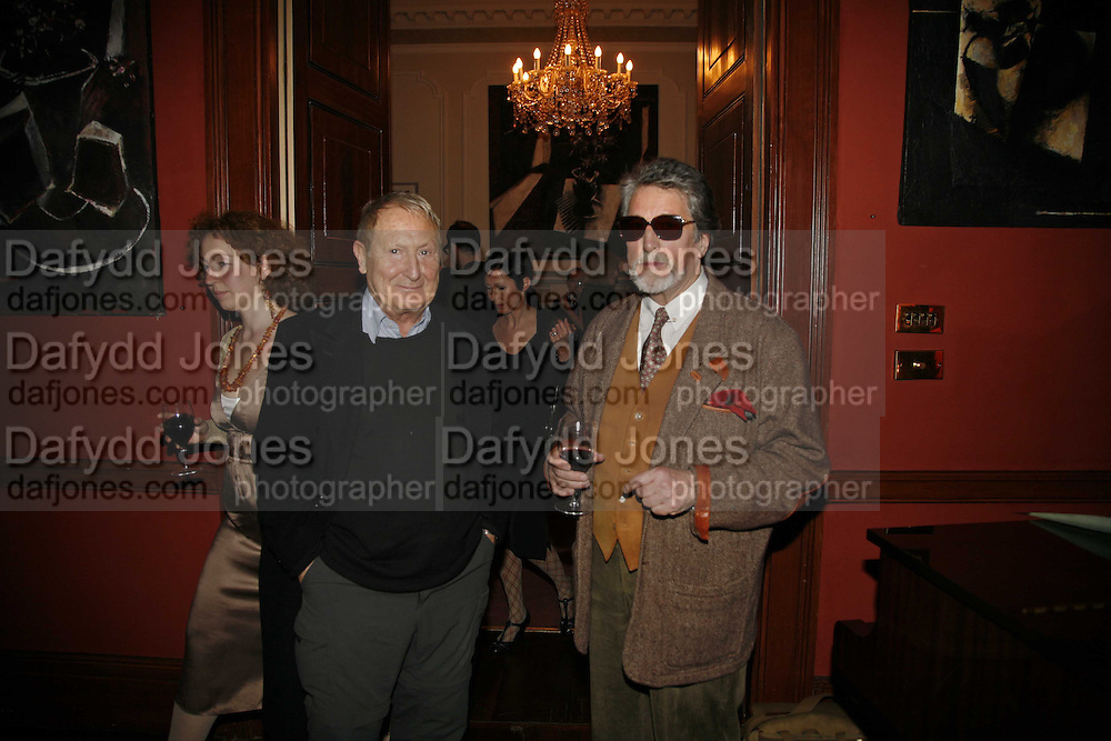 DANTE LEONELLI AND JUSTIN DE VILLENEUVE, Sir Peter Blake and Poppy De Villeneuve host a party with University of the Arts London at the Arts Club, Dover Street, London. 20 APRIL 2006<br />