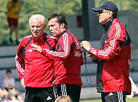 Fotball<br /> Østerrike<br /> Red Bull Salzburg<br /> Foto: Gepa/Digitalsport<br /> NORWAY ONLY<br /> <br /> 11.06.2006<br /> Trainer Team Giovanni Trapattoni, Lothar Matthäus und Konditionstrainer Fausto Rossi (RBS)
