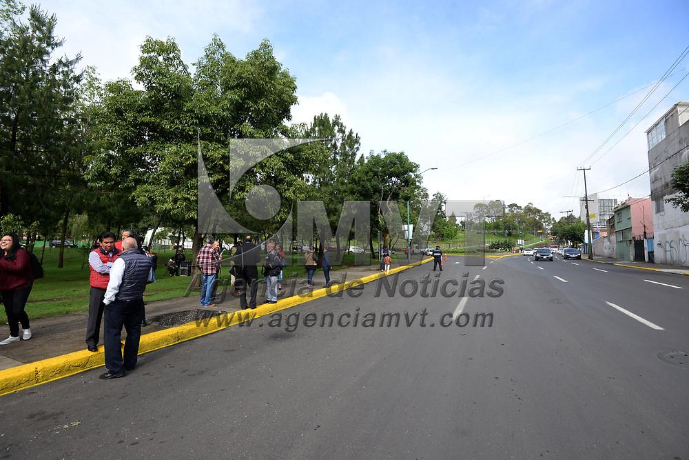 TOLUCA, México.- (Julio 12, 2017).- Fernando Zamora Morales, presidente municipal de Toluca inauguró la repavimentación de la Avenida José María Morelos, como parte del programa de re-encarpetamiento y bacheo. Agencia MVT / Crisanta Espinosa.