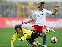 Fotball. 23. oktober 2004, <br /> Bundesliga <br /> Borussia Dortmund - Hamburger SV<br /> v.l. Tomas ROSICKY, Raphael WICKY HSV