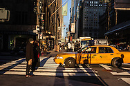 New York 42nd street at Grand central railway station/ 42em  rue devant la gare de grand central