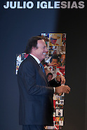 121611 julio iglesias awared 1