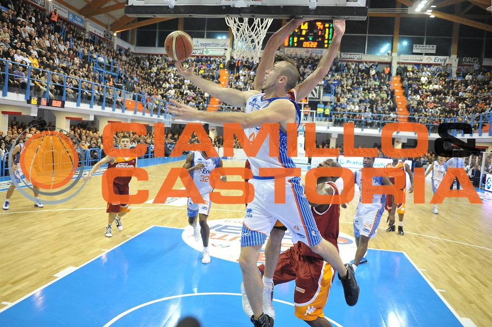 DESCRIZIONE : Brindisi Lega A 2010-11 Enel Brindisi Lottomatica Virtus Roma<br /> GIOCATORE : Kris Lang<br /> SQUADRA : Enel Brindisi<br /> EVENTO : Campionato Lega A 2010-2011<br /> GARA : Enel Brindisi Lottomatica Virtus Roma<br /> DATA : 23/01/2011<br /> CATEGORIA : tiro penetrazione<br /> SPORT : Pallacanestro<br /> AUTORE : Agenzia Ciamillo-Castoria/D.Tasco<br /> Galleria : Lega Basket A 2010-2011<br /> Fotonotizia : Brindisi Lega A 2010-11 Enel Brindisi Lottomatica Virtus Roma<br /> Predefinita :