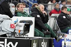 13.12.2011, Arena auf Schalke, Gelsenkirchen, GER, 1.FBL, Schalke 04 vs Werder Bremen, im BildThomas Schaaf (Trainer Werder Bremen) entaeuscht/ entäuscht/ traurig auf der Bank // during the 1.FBL, Schalke 04 vs Werder Bremen on 2011/12/17, Arena auf Schalke, Gelsenkirchen, Germany. EXPA Pictures © 2011, PhotoCredit: EXPA/ nph/ Mueller..***** ATTENTION - OUT OF GER, CRO *****