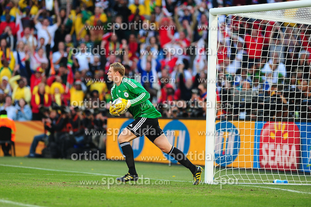 25.06.2010, Free State-Stadion, Bloemfontein, RSA, FIFA WM 2010, Germany (GER ) vs England (GB)., im  Bild Manuel Neuer ( FC Schalke 04 #01 )     EXPA Pictures © 2010, PhotoCredit: EXPA/ nph/  Kokenge / SPORTIDA PHOTO AGENCY